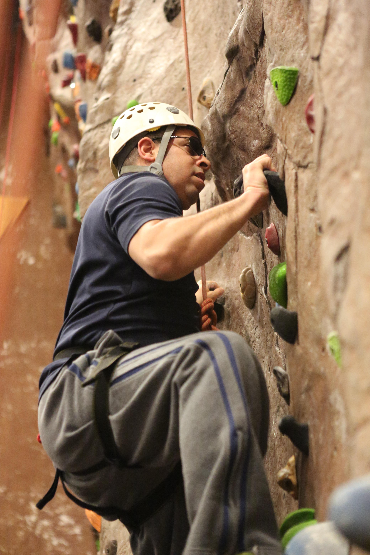 photo rock climbing